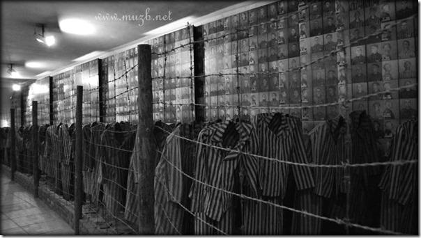 Auschwitz cloth